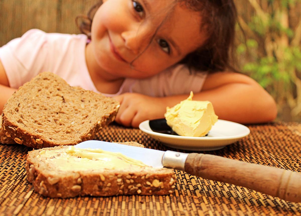 pylnozyrnesto-hranene-na-deca-vita-bread-2
