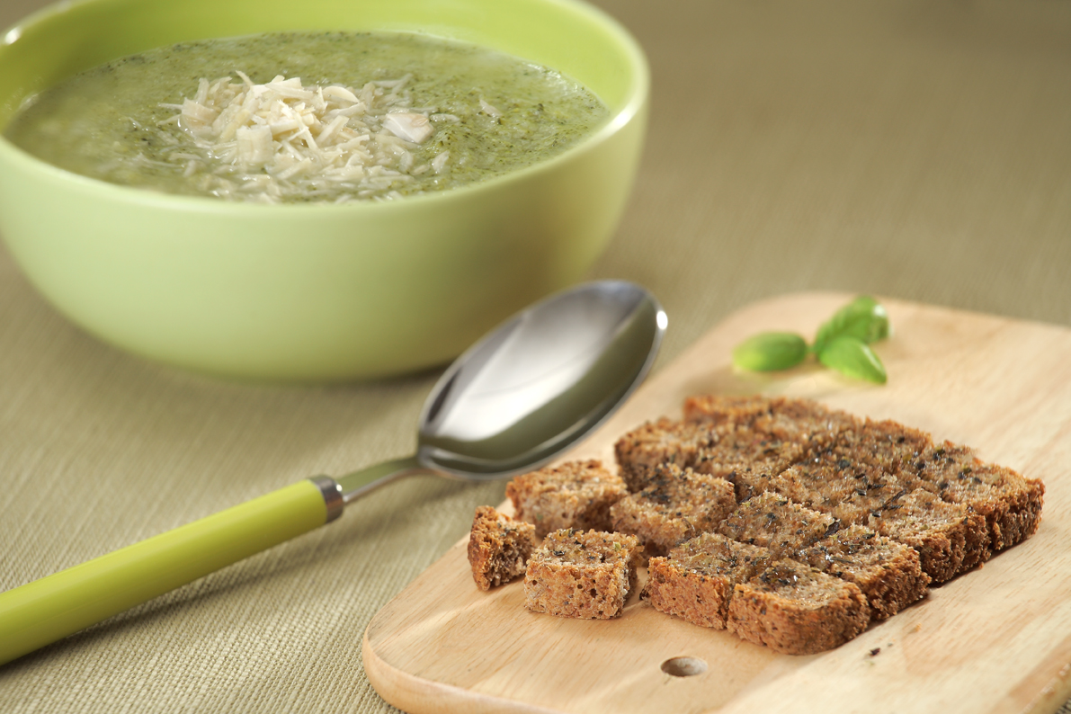 Broccoli soup with basil toasted bread