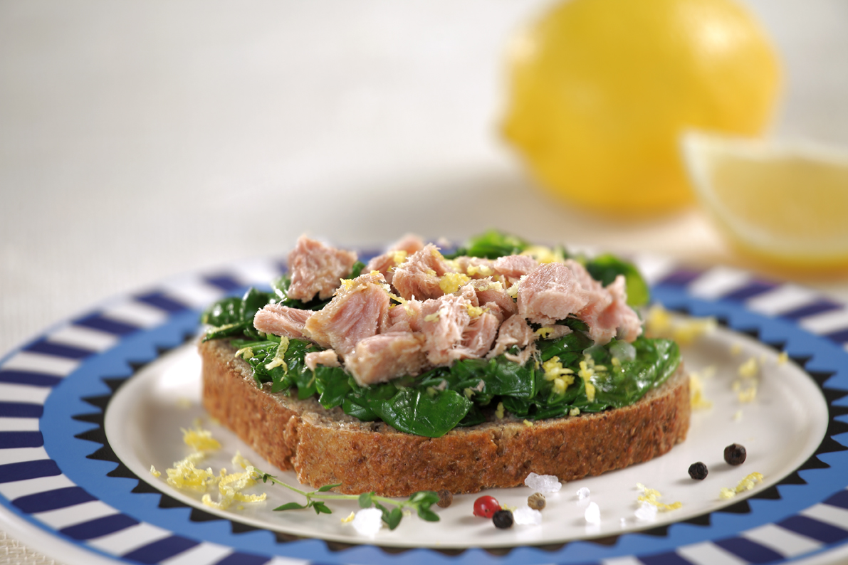 Spinach and tuna sandwich